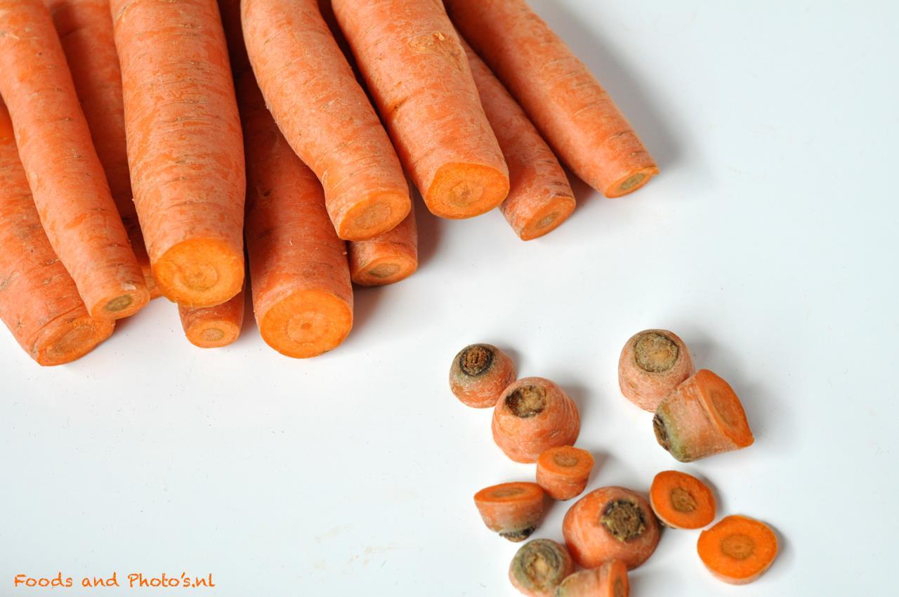 """Wil je wortels langer bewaren? Haal dan de groene """"kop"""" eraf"""